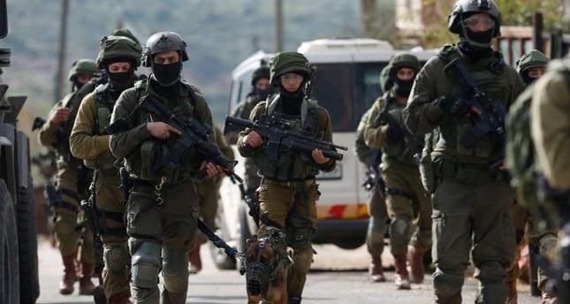 قوة إسرائيلية تبحث عن المنفذ الفلسطيني لعملية مستوطنة أرئيل