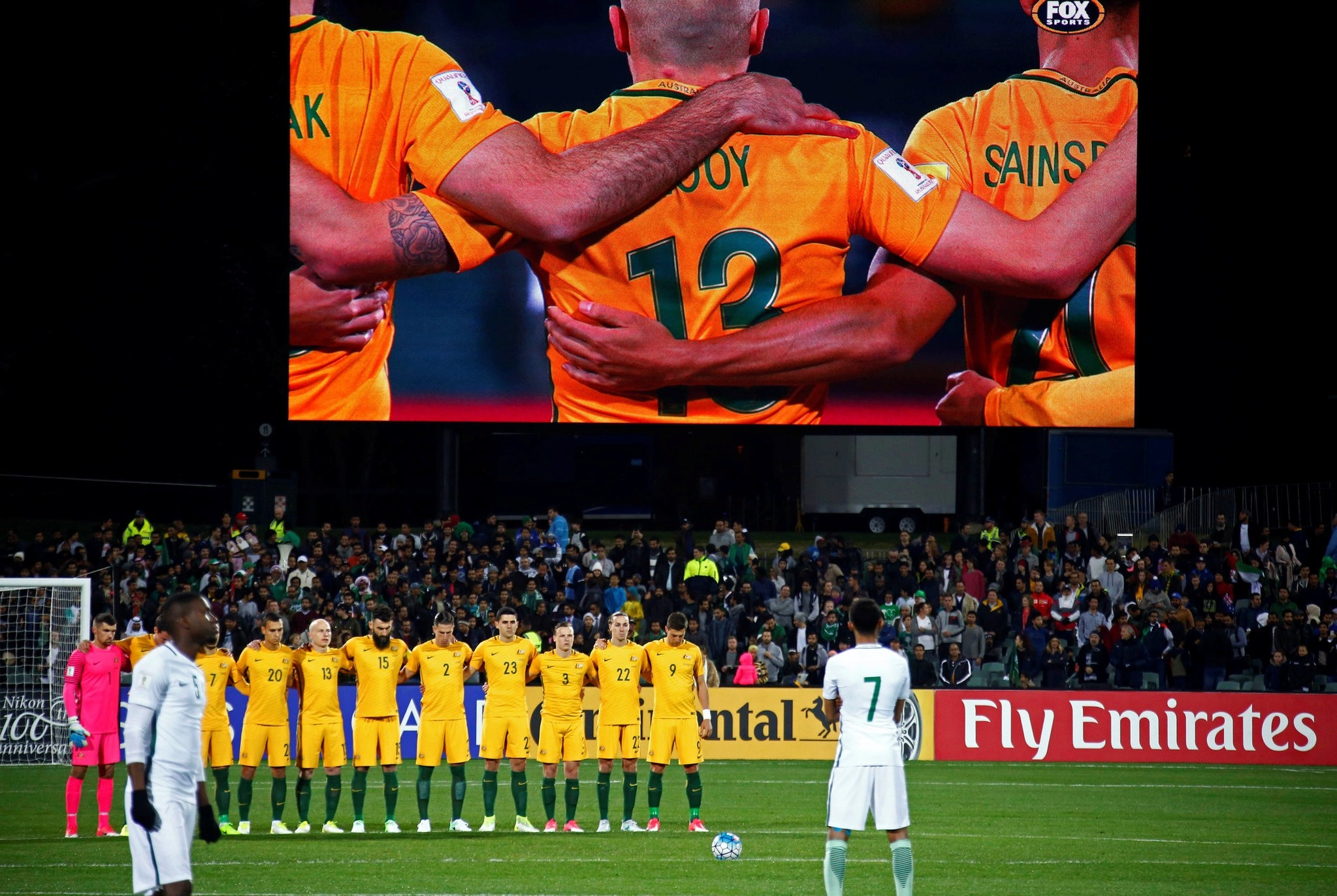 The Australian team observes a minute's silence for victims of London attacks, who include two Australians. (REUTERS Photo)