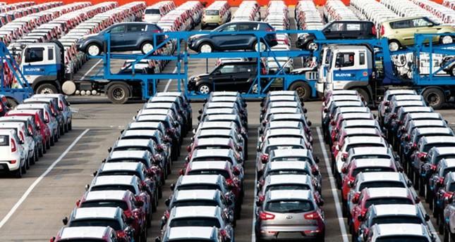 ترامب يهدد بفرض رسوم جمركية على السيارات المستوردة من أوروبا