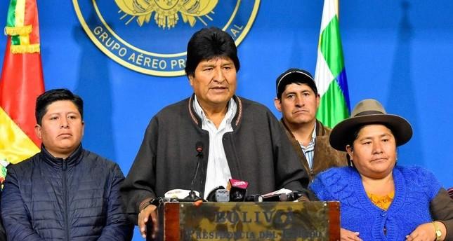 Bolivian President Evo Morales (2-L) delivers a statement in El Alto, Bolivia. (EPA Photo)