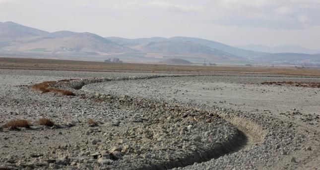 Lake Seyfe dries up, threatening migratory birds
