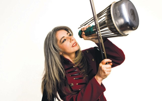 Evelyn Glennie, photographed by Jim Callaghan (courtesy of the Borusan Istanbul Philharmonic Orchestra).