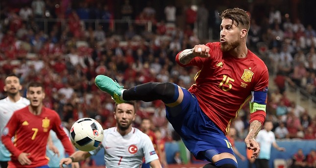 Morata scores twice to lead Spain to easy win over Turkey