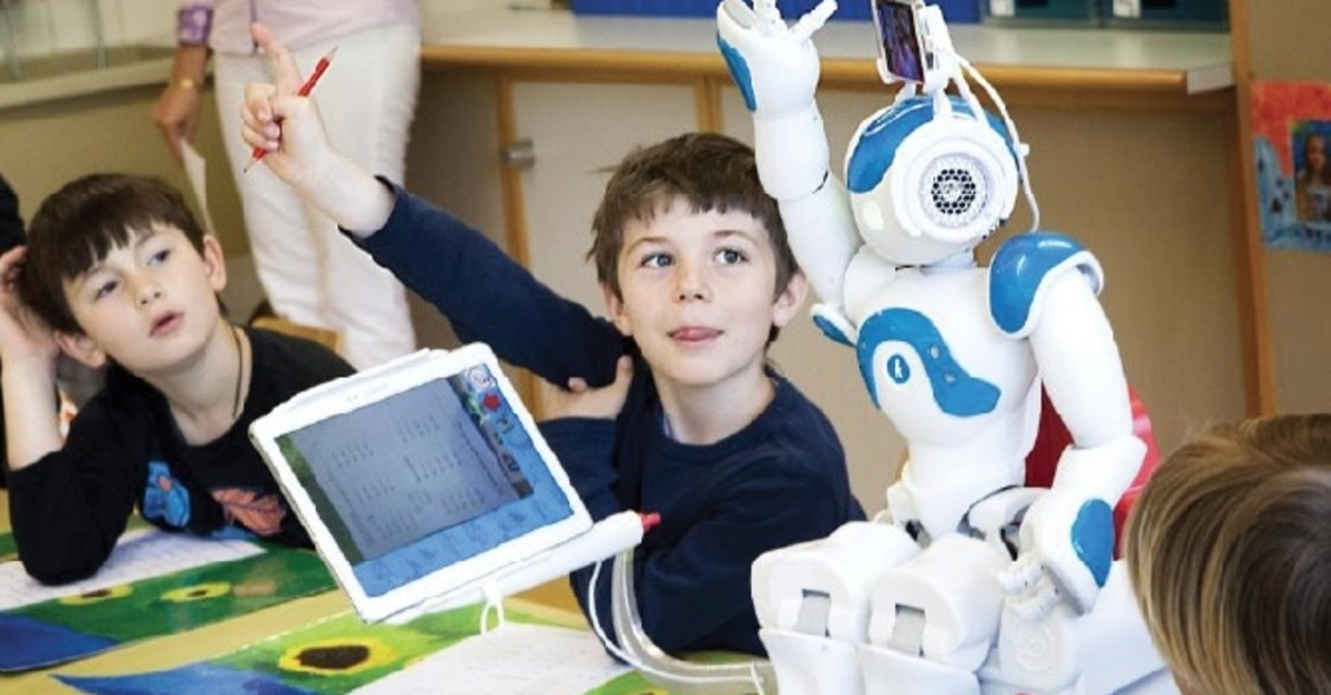 While adults might have problems understanding how AI works, it can be easily learned by children.