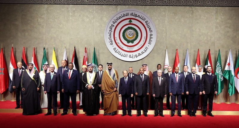 Arab leaders pose for the camera, ahead of the Arab economic summit in Beirut, Lebanon, Jan. 20, 2019. (AFP Photo)