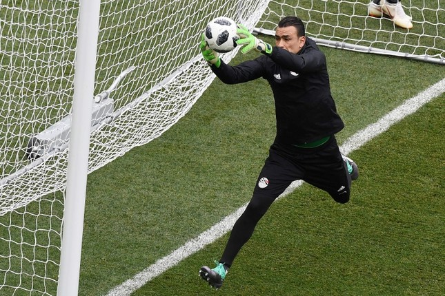 Essam El-Hadary trains with the team at the Volgograd Arena in Volgograd on June 24, 2018, on the eve of their Group A match against Saudi Arabia during the Russia 2018 World Cup football tournament. (AFP Photo)