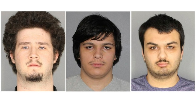 4 charged in plot to attack Muslim community in US
