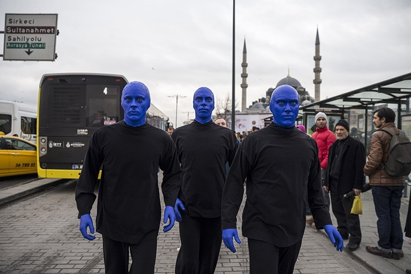 Blue Man Group walks the streets of Istanbul's Eminu00f6nu00fc district on Feb. 12, 2018. (AA Photo)