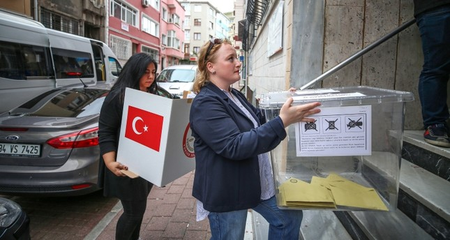Elderly, sick Turkish citizens use mobile ballot boxes