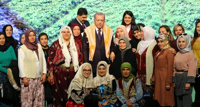 President Recep Tayyip Erdoğan poses with attendees at the 3rd Turkey Agriculture and Forestry Council in the capital Ankara, Nov. 21, 2019. AA Photo