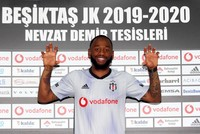 Beşiktaş signs winger N'Koudou from Spurs