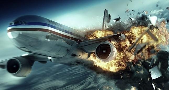 طائرة بوينغ تلقي مئات الأطنان من الكيروسين فوق غابة في باريس