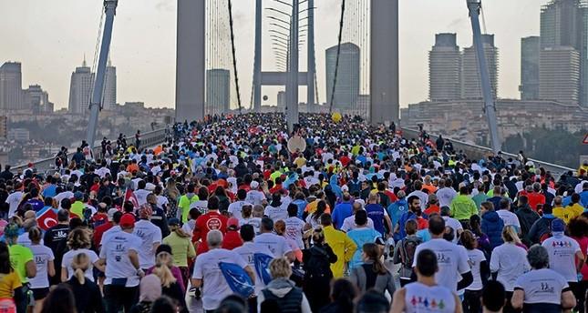 بمشاركة عشرات الآلاف.. انطلاق ماراثون فودافون إسطنبول من أجل شهداء الانقلاب