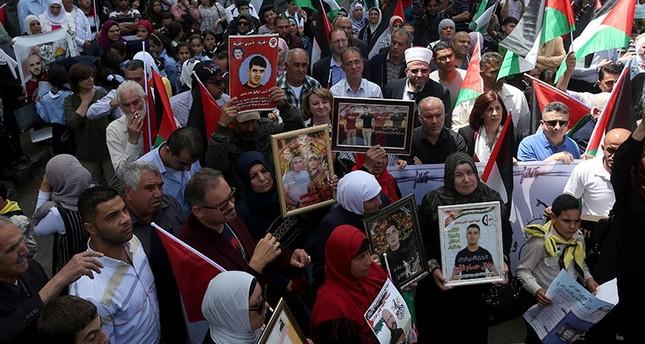 مسيرات ووقفات بالضفة الغربية إحياء لـيوم الأسير الفلسطيني