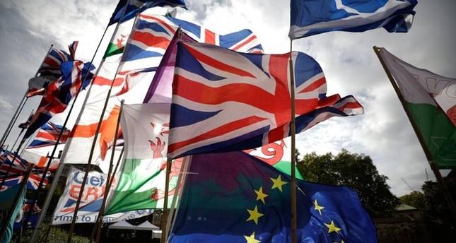 جان كلود يونكر يعلن التوصل لاتفاق بشأن خروج بريطانيا من الاتحاد الأوروبي