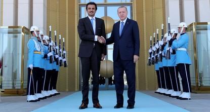 أردوغان يستقبل أمير دولة قطر في القصر الرئاسي بأنقرة