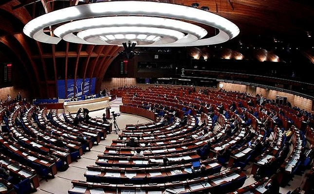 This file photo shows delegates sitting in the Parliamentary Assembly's plenary room at the Council of Europe in Strasbourg, October 7, 2010 (Reuters Photo)