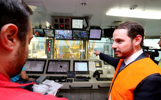 Energy and Natural Resources Minister Berat Albayrak (above) conducted on-site inspections on the vessel carrying out the TANAP project's Çanakkale underwater section.