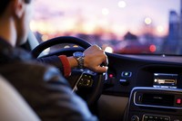 Device to enhance driving skills, notify first responders