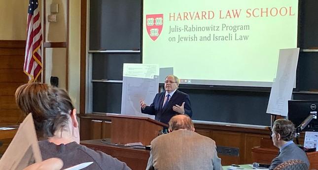 طلاب كلية الحقوق بجامعة هارفارد يقاطعون كلمة للقنصل الإسرائيلي