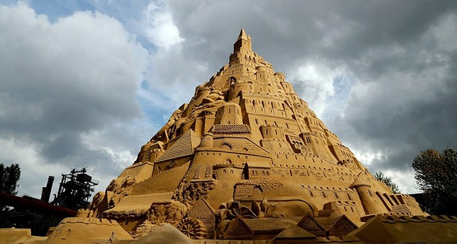 A general view of a sand castle at the Landschaftspark Nord in Duisburg, August 31, 2017. (EPA Photo)