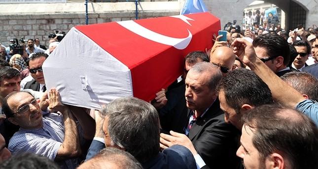 أردوغان يطلب من الأتراك البقاء في الشوارع والميادين أسبوعاً كاملاً
