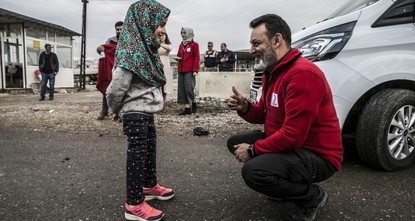 8-year-old Syrian girl born without legs walks again with Turkish help