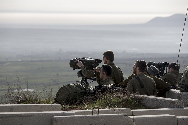 Israeli soldiers taking positions next to the Israeli-Syrian border following the Israel attack in Syria early morning , 10 February 2018. (EPA Photo)