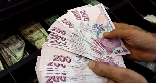 ارتفاع الليرة التركية أمام الدولار قبيل بدء محاكمة القس الأمريكي