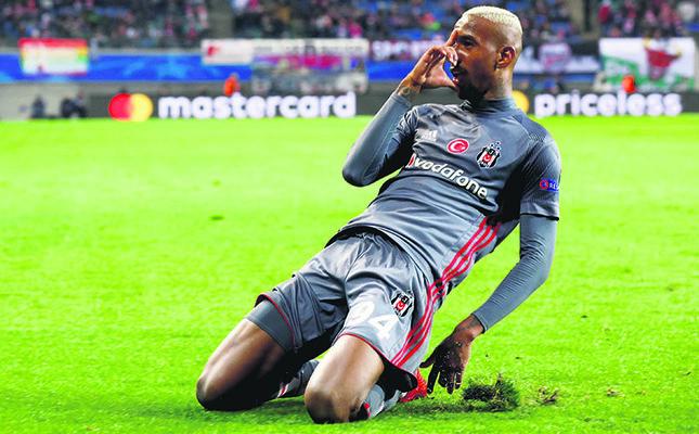 Beşiktaş's Anderson Talisca celebrates after scoring their second goal against Leipzig, Dec. 6.