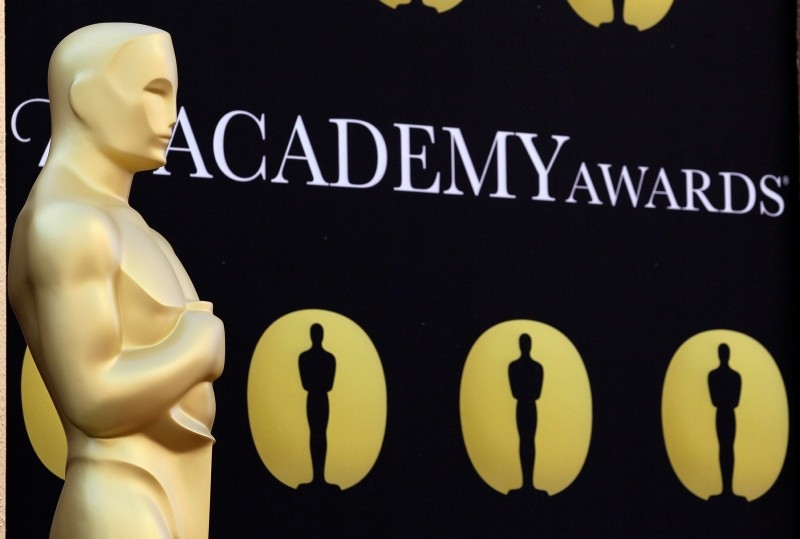 An Oscar statue stands on the red carpet outside the Kodak Theatre as preparations continue for the 82nd Academy Awards in Los Angeles, Calif., on Friday, March 5, 2010. (AP Photo)