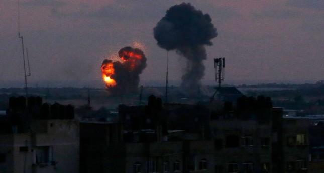 الطيران الحربي الإسرائيلي يشن 25 غارة على قطاع غزة