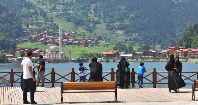 The green mountains of the Black Sea region, with Trabzon and Artvin provinces being the main targets, have became yet another destination for the Arab tourists.