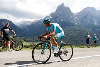 Italian Giro champion cyclist Scarponi killed in road accident while training