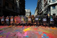 Spain threatens to send national police to Catalonia