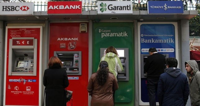 الليرة التركية تنتعش أمام الدولار مع بدء تداولات الأسبوع الجديد