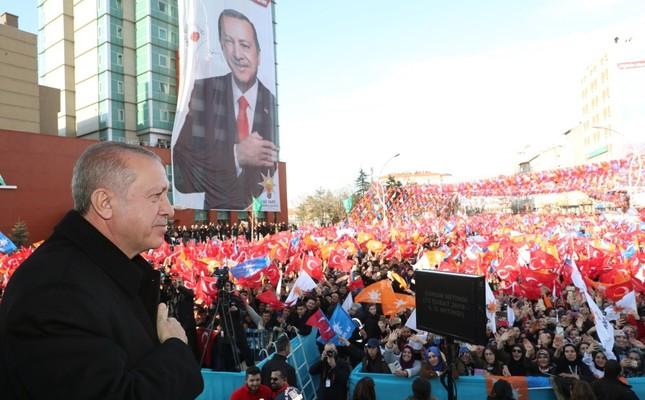 President Recep Tayyip Erdoğan addresses an audience in northern Çorum province, Feb. 12, 2019.