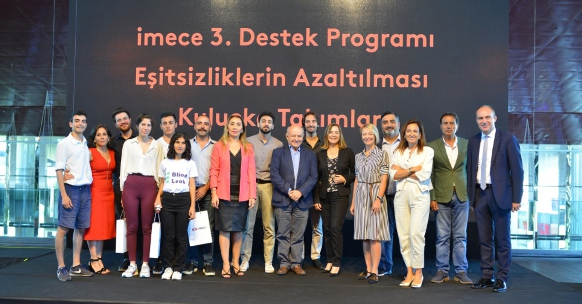 Three teams focusing on innovations for disadvantaged groups, Root (Together), BlindLook and Ecording, have been named the winners of the 3rd Support Program by social innovation program imece.