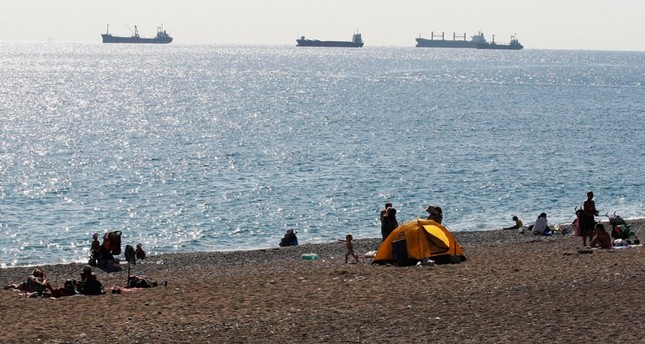 Syrian refugee advocates criticize local CHP leaders' beach bans