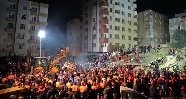 Three Dead 12 Rescued After 8 Story Building Collapses In