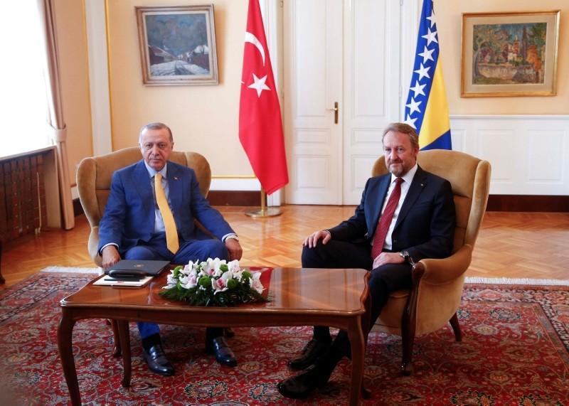 President Recep Tayyip Erdou011fan (L) meets with Chairman of the Tripartite Presidency of Bosnia and Herzegovina Bakir Izetbegovic in Sarajevo, Bosnia and Herzegovina May 20, 2018. (Reuters Photo)