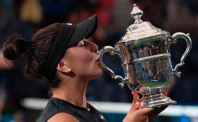 Bianca Andreescu poses with her trophy after she won against Serena William, Sept. 7, 2019.