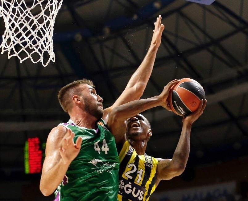 Unicajau2019s Dejan Musli (L) in action against Fenerbahu00e7eu2019s James Nunnally (R) during the EuroLeague basketball match in Malaga, last week.