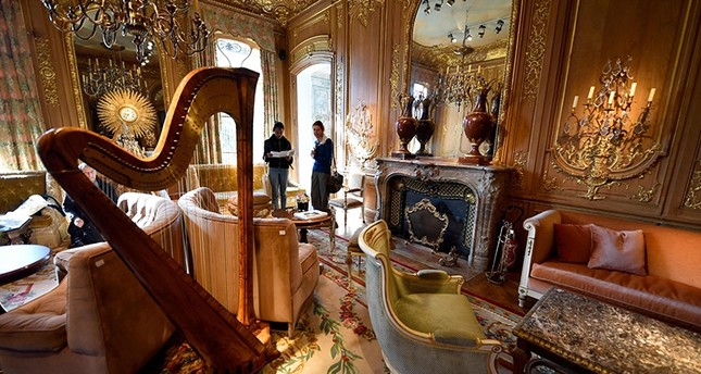 his file photo taken on April 11, 2018 shows furnitures from Le Salon Proust of the Ritz Paris, part of the 10,000 Ritz objects set to be auctioned by the Artcurial auction house (AFP Photo)