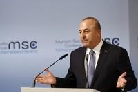 أكد وزير الخارجية التركي مولود جاوش أوغلو، اليوم الأحد، أن التنظيمات الإرهابية مثل
