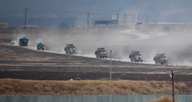 دورية روسية تركية مشتركة على الحدود السورية (من الأرشيف)