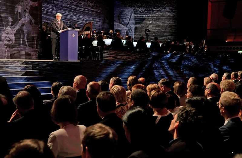German President Frank-Walter Steinmeier delivers a speech during the German Day of Unity ceremony in the 'Rheingoldhalle' Congress Hall, in Mainz, Germany, Oct. 03, 2017. (EPA Photo)