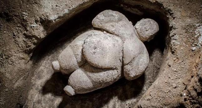 تركيا: اكتشاف تمثال امرأة عمره ثمانية آلاف عام
