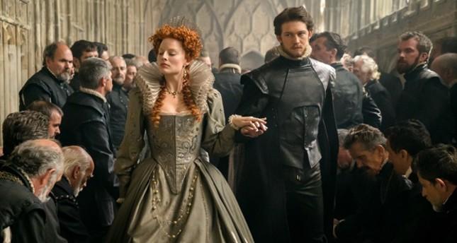 """Margot Robbie plays Queen Elizabeth I in """"Mary Queen of Scots."""""""