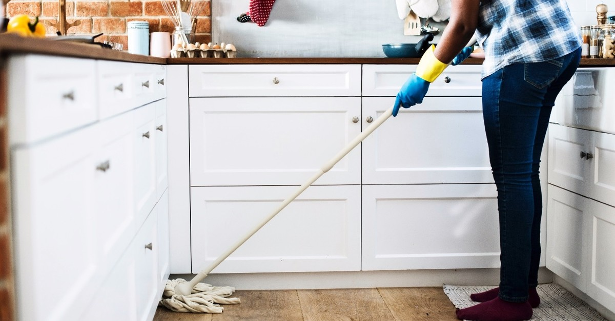 The latest studies show that cleaning has a therapeutic effect on stress.